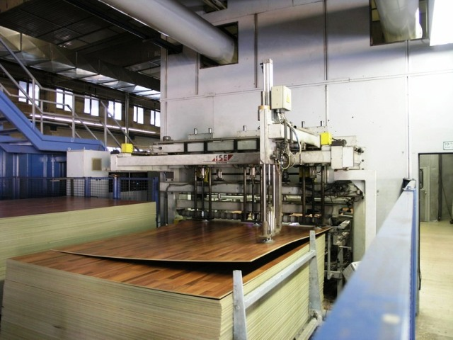Laminate Wood Flooring Manufacturing Process Laminate